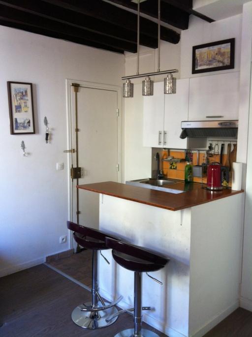 散步巴黎民宿的廚房吧台, 麻雀雖小, 五臟俱全