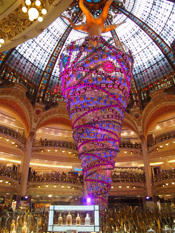 散步巴黎民宿 § 拉法葉百貨聖誕擺