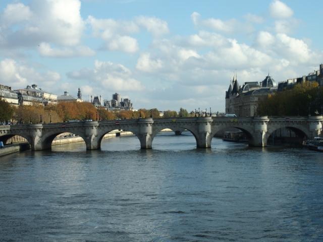 散步巴黎民宿§ 藝術橋上塞納河景