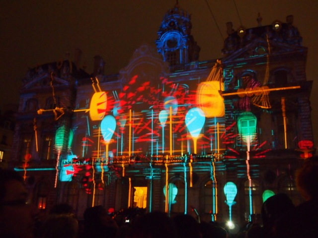 散步巴黎民宿--里昂燈節