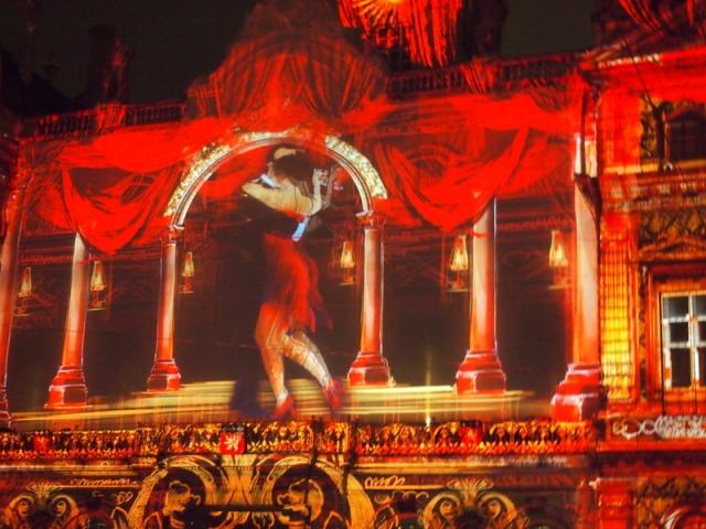 散步巴黎民宿-- 探茍舞者