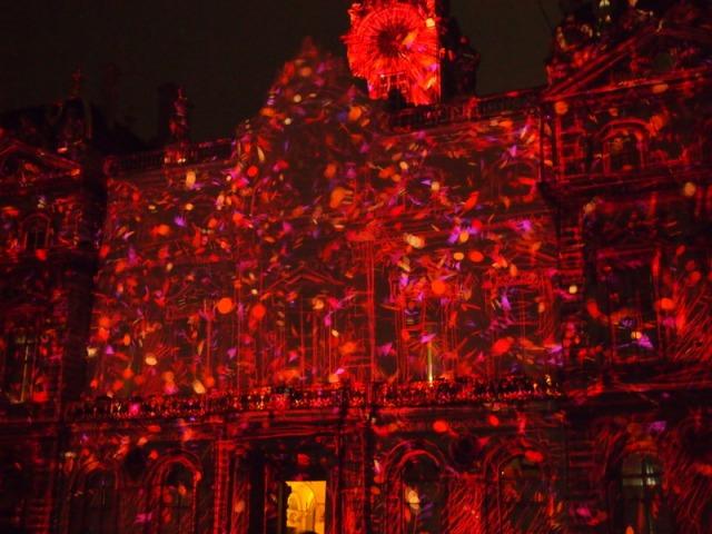 散步巴黎民宿-- Place de terreaux 的里昂燈節投影