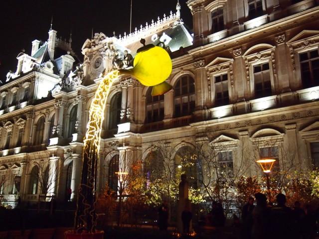 散步巴黎民宿-- Place de la Bourse 的里昂燈節投影