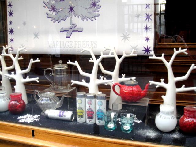 散步巴黎--瑪黑兄弟百年茶館櫥窗